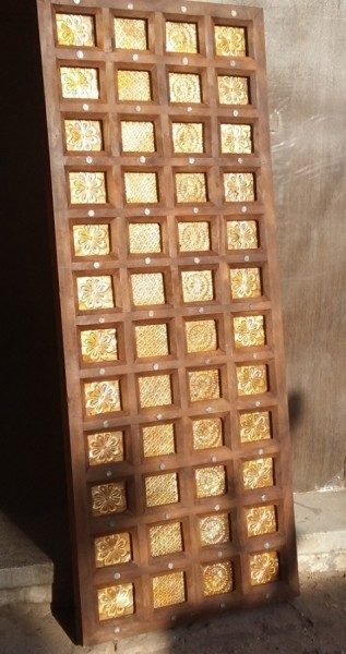 Antike mittelalterliche Tür mit Messingmotiveinlage 80x200cm