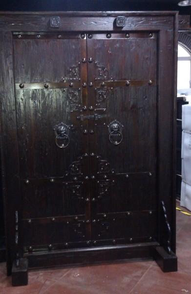 Antike Mittelaltertür Mittelaltertor mittelalterliche Eingangstür Breite147cm x Höhe 216cm Doppettür