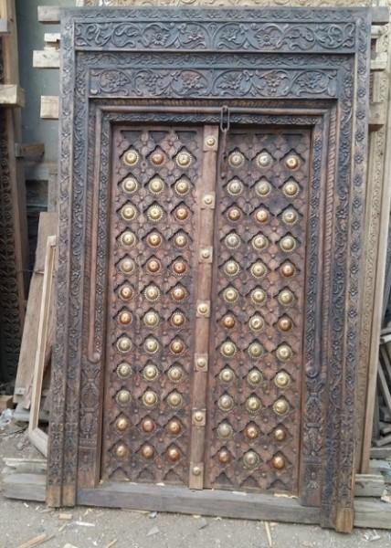 Antike mittelalterliche Eingangstür mit Rahmen Höhe230xBreite137cm Massivholz