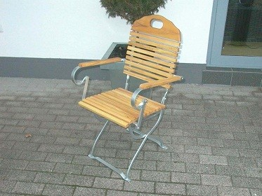 """Biergartenstuhl """"baden Baden """" verzinkt mit Armlehnen"""