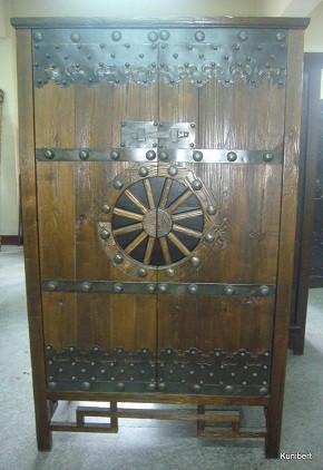 Antiker mittelalterlicher Kabinettschrank Breite115xHöhe185cm
