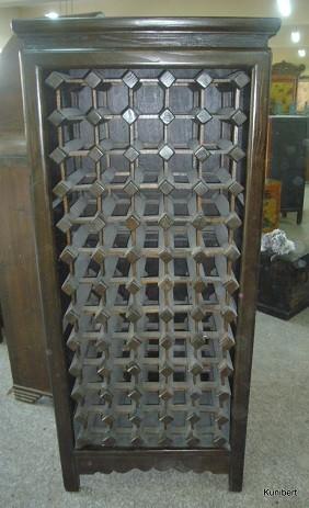 Antiker Weinschrank