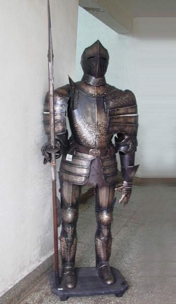 """Ritterrüstung Modell """" Kunibert II."""" Höhe192cm - brünniert"""