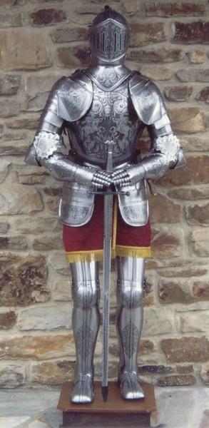 """Ritterrüstung """" Heinrich der Löwe"""" Prunkrüstung , Höhe 185cm"""