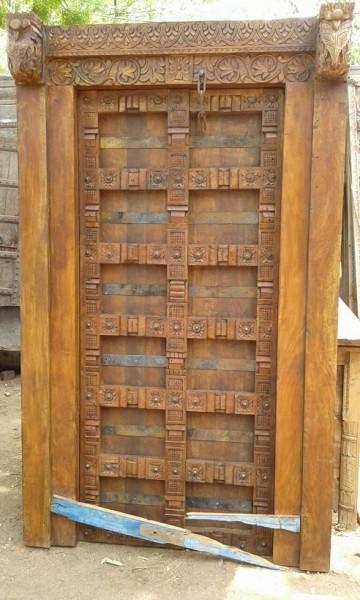 Antike Mittelalterliche Eingangstür mit Rahmen Höhe228xBreite136cm