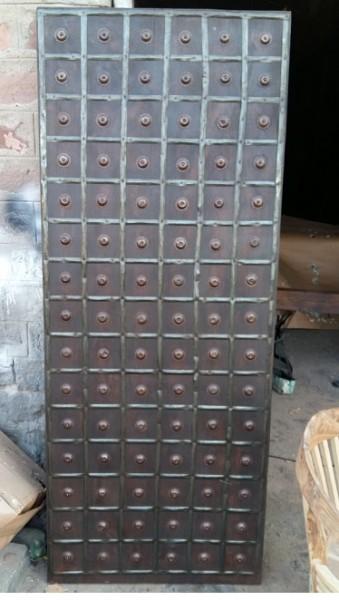 Antike Mittelalterliche Tür Höhe200x Breite80cm Mssivholz , Eisenbeschlagen und benagelt