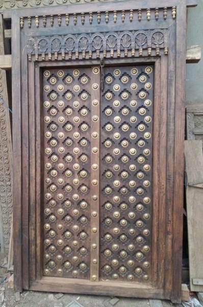 Antike mittelalterliche Eingangstür mit Rahmen Höhe226 x Breite134cm Massivholz