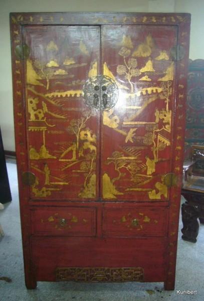 Antiker chinesischer Schrank