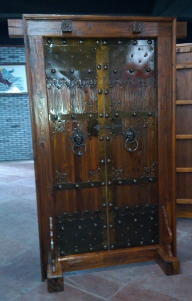 Antike Mittelaltertür Mittelaltertor mittelalterliche Eingangstür Breite120cm x Höhe 216cm Doppettür